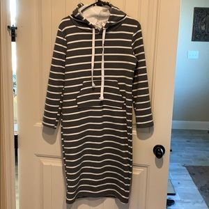 Sweat shirt dress with hoodie